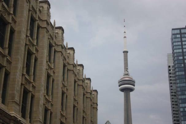 Toronto tour CN